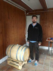 Oppigårds första tunna med hundraårigt öl (foto: Anna Hultén)